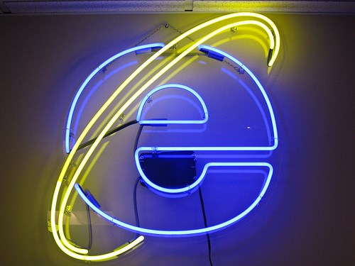 Microsoft to patch Flash flaw in IE10