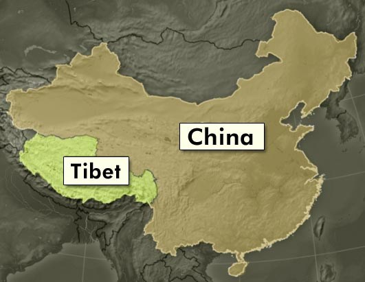 Chinese spears attack Tibetan activists