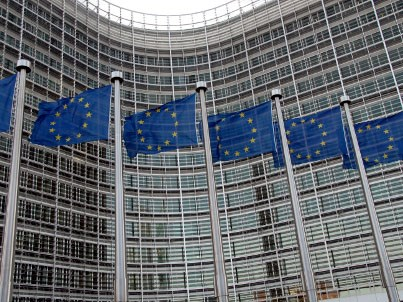 EU approves data protection law but critics remain