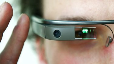 Google Glass flaw would have allowed third party control