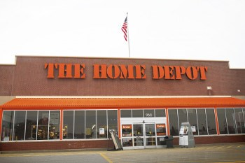 Home Depot card data breach undetected for four months
