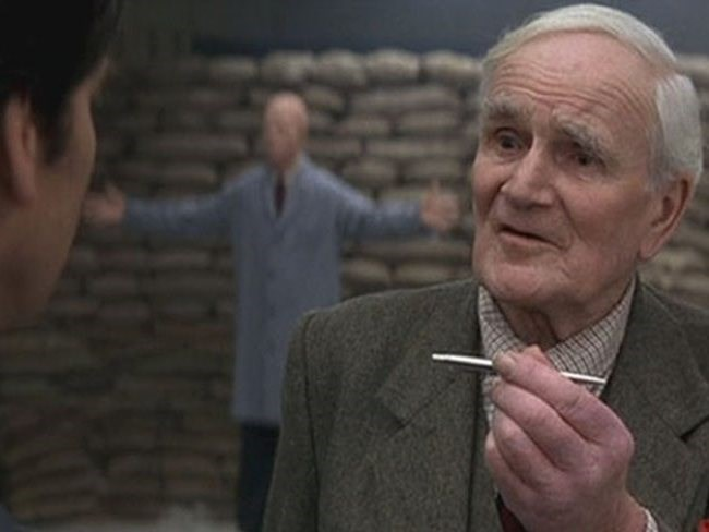 Desmond Llewelyn as Q in yet another James Bond movie